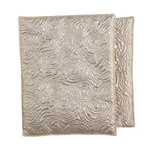 財布の布団の効果を実感しているタレントの松居一代2