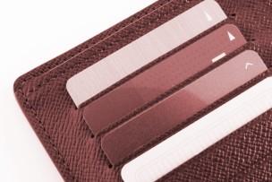 赤い財布の迷信!赤い財布は良いの?良くない?その答え